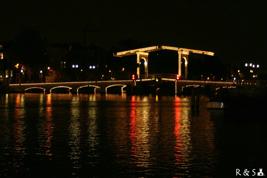 008 Magere Brug by night A'dam